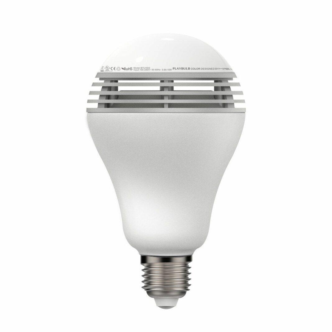 lampe connectée multifonction, qui éclaire et diffuse aussi de la musique