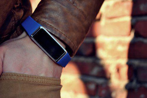 ZeFit2 Tracker d'activité avec notifications smartphone- Montre connectée au téléphone mobile pour iOS, Android