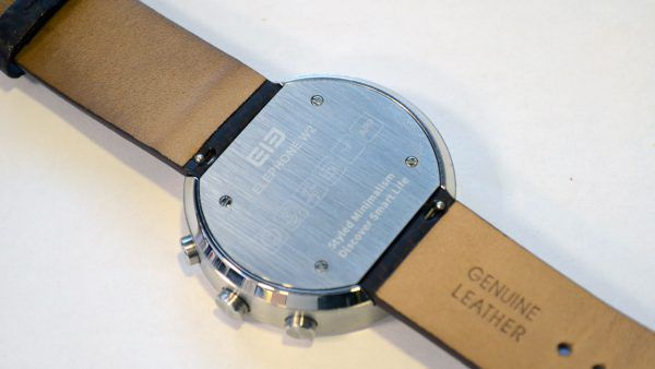Vue arrière la montre connectée Elephone W2