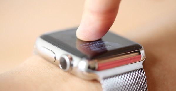 cran tactile quoi sert il vraiment sur une montre. Black Bedroom Furniture Sets. Home Design Ideas