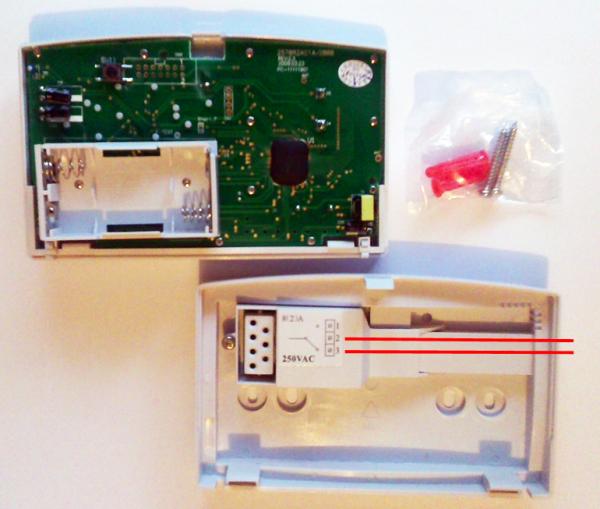 Station de réception des piles dans le thermostat du Computherm Q7rf